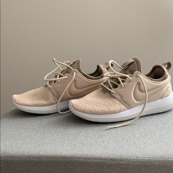 on sale 47357 4a19b Nike Ladies Roshe 2 Beige Sneakers - 5.5